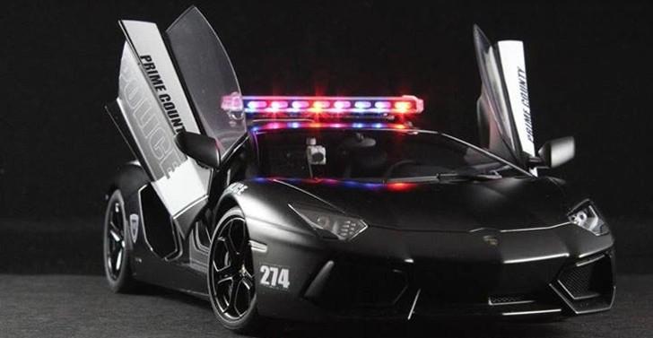 Dubai Police Car Wallpapers Lamborghini Aventador Police Car Scale Model Autoevolution