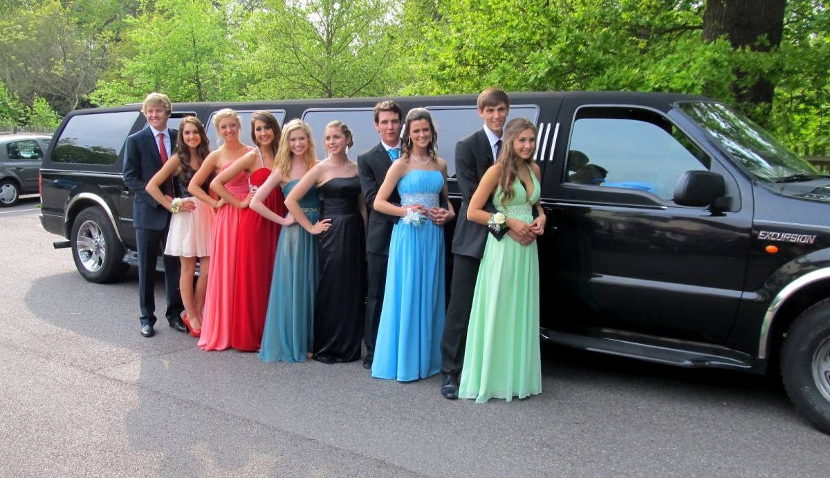 Limo Prom New Jersey High School Bans Limos On Prom Night For Safety Equity