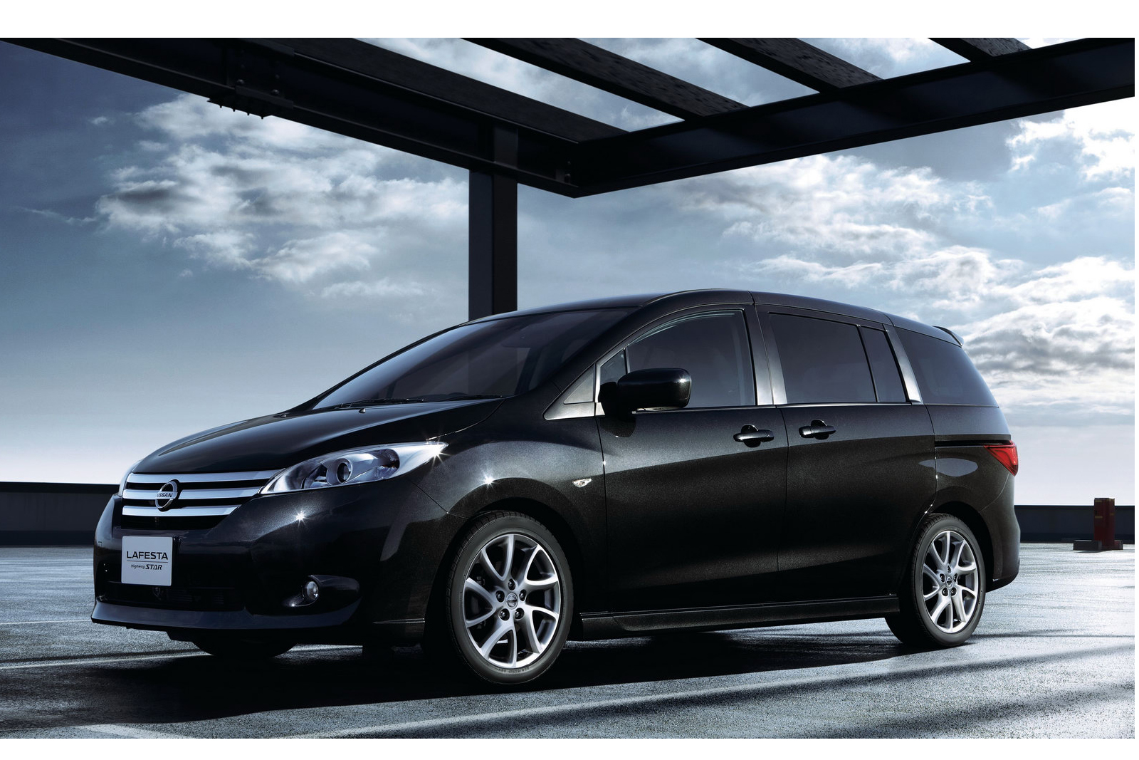 Nissan 7 Seater Cars Nissan Launches Lafesta Highway Star 7 Seater Mpv In Japan