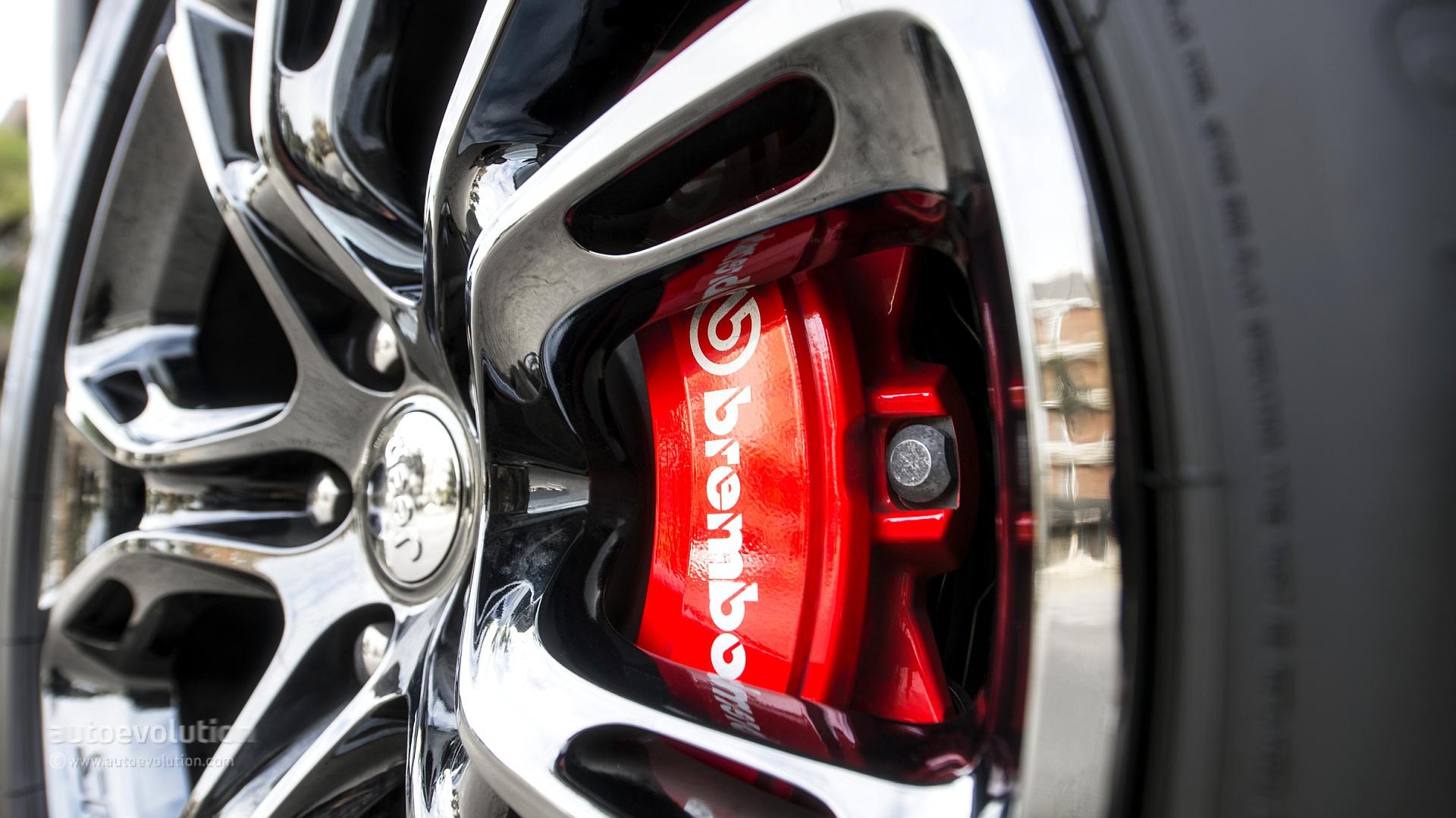 Car Logo Hd Wallpapers 1080p 2014 Jeep Grand Cherokee Srt Review Autoevolution
