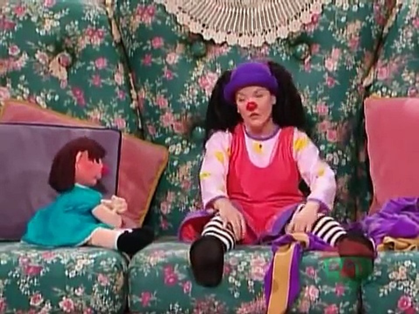 Big Couch Clown The Big Comfy Couch The Clown Promise