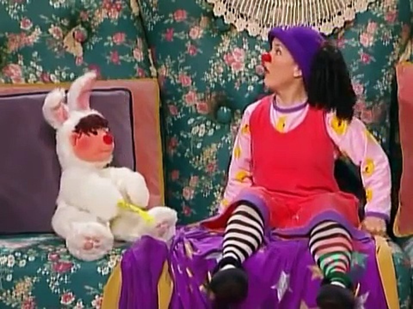 Big Couch Clown The Big Comfy Couch Clown With A Frown