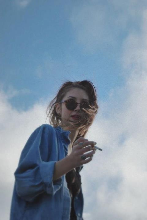 Smoking Girl Wallpaper Iphone Indie Tumblr Image 1596210 By Lovely Jessy On Favim Com