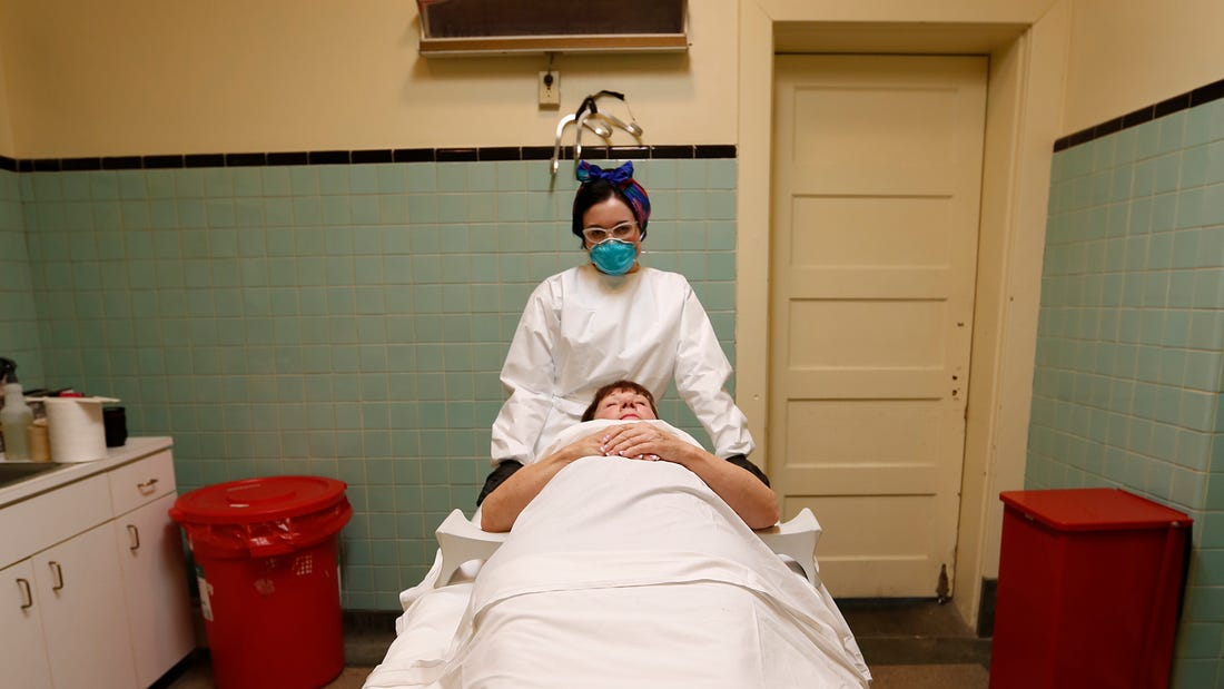 Life As A Young Mortician - What The Job Is Really Like