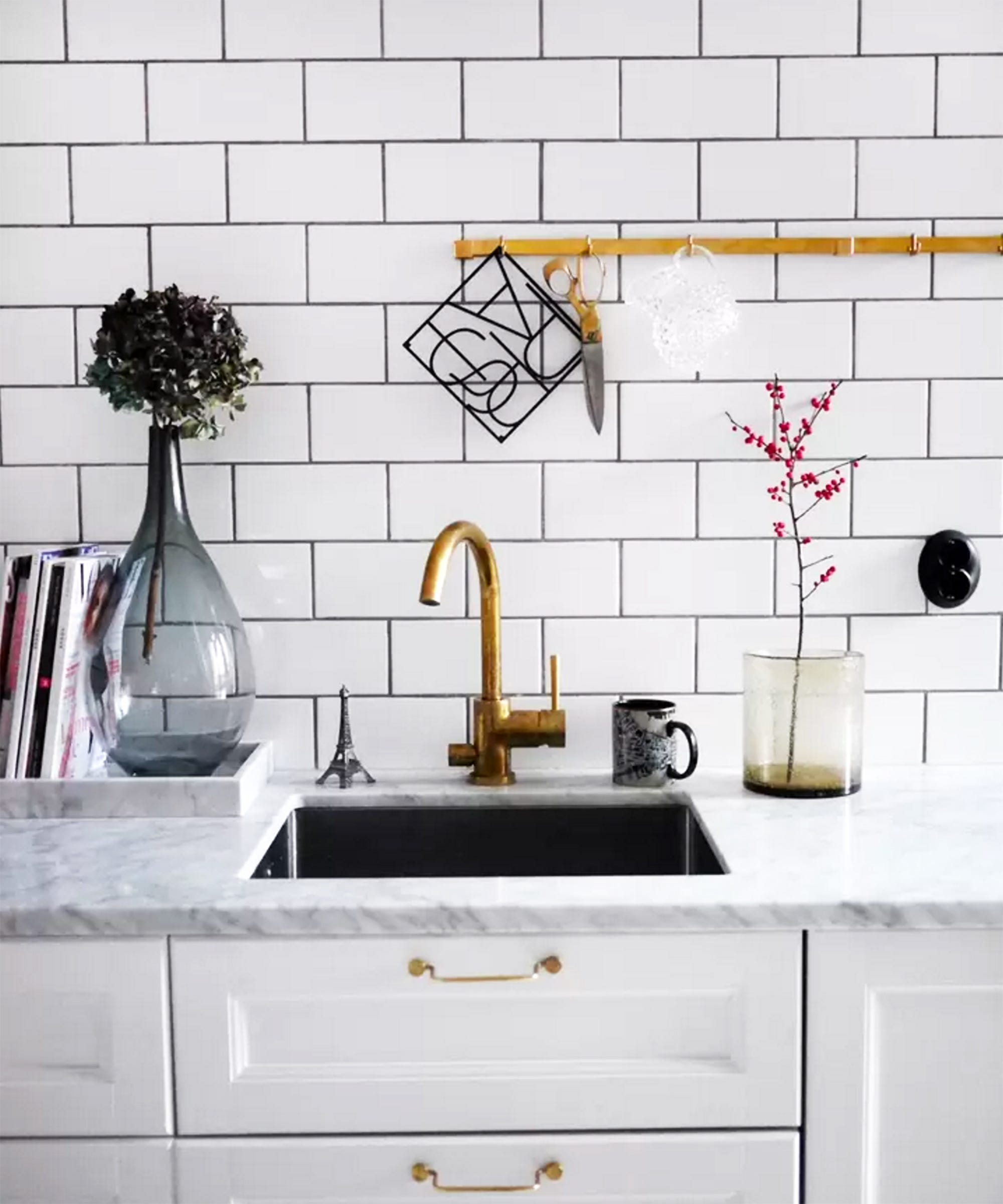 Do It Yourself Kitchen Islands 12 Best Decor Ideas From Airbnb