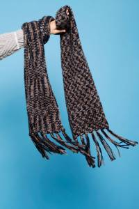 Winter Scarves - How To Tie A Scarf