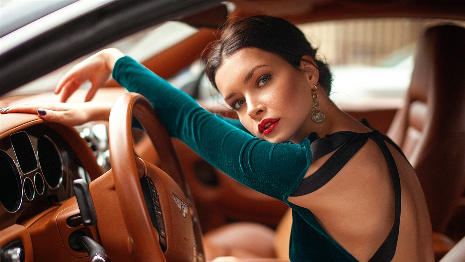 Girl In Red Dress Wallpaper Wallpaper Bentley Girl Driving 1920x1200 Hd Picture Image