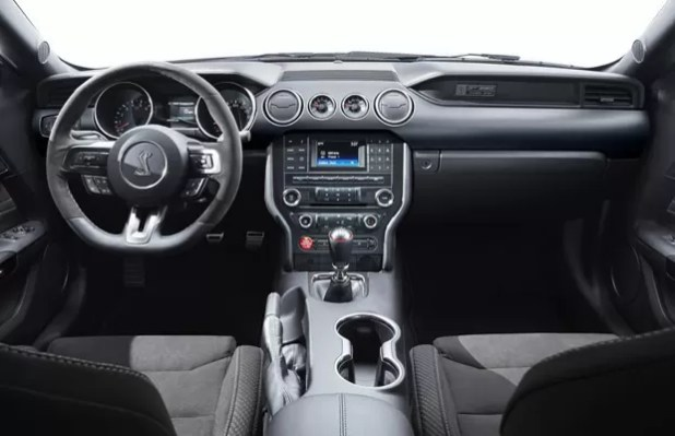 Shelby GT350 Mustang - Interior
