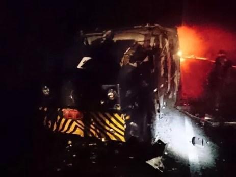 Bandidos usaram dinamites para explodir o carro-forte (Foto: Divulgação / Sindicato dos Vigilantes)