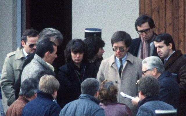 Christine Villemin (terceira a partir da esquerda) esteve presa entre 1985 e 1993 pelo assassinato do filho (Foto: Patrick Hertzog/AFP)