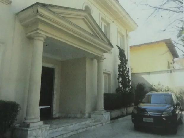 Fachada da entrada da mansão da família Abdelmassih (Foto: Reprodução/ site Lut Leilões)