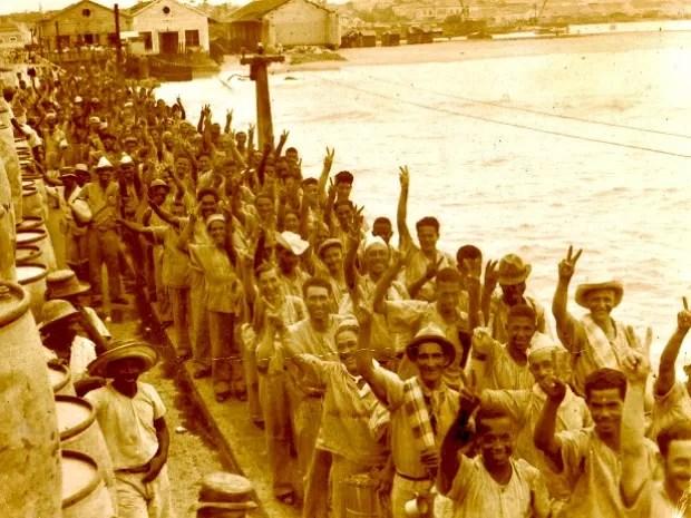 Homens era recrutados para trabalharem na extração de látex na região Norte  (Foto: Arquivo/SEMTA)