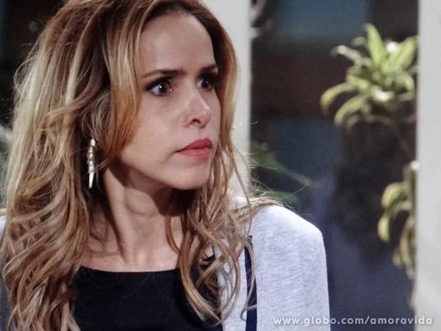 Glauce deixa claro que não será a única prejudicada (Foto: Amor à Vida/TV Globo)