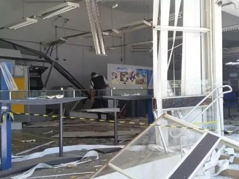 Bandidos explodiram agência do Banco do Brasil de Afrânio (Foto: Cícero Francinaldo da Silva Cardoso)