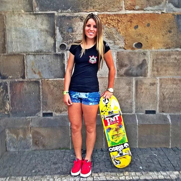 Skateboard Girl Wallpaper Leticia Bufoni Exibe As Costas Feridas Ap 243 S Treino Quot Bom