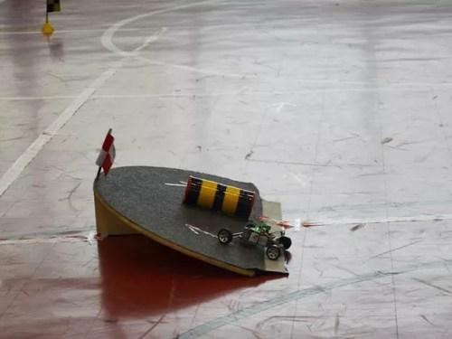 Robô desenvolvido no campus do IFPB em João Pessoa (Foto: Acervo/IFPB)