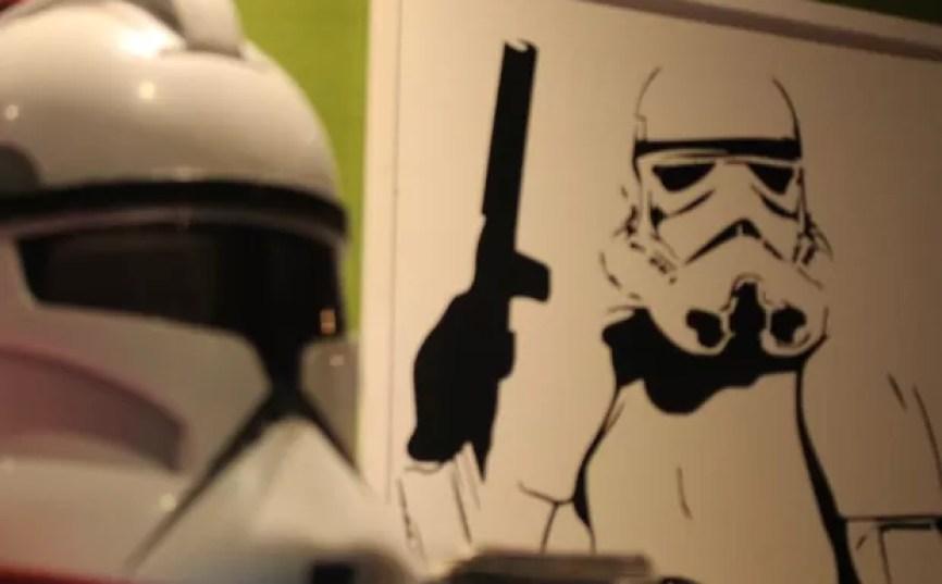 Bar nerd recebeu uma decoração especial para evento de Star Wars em Santos (Foto: LG Rodrigues / G1)