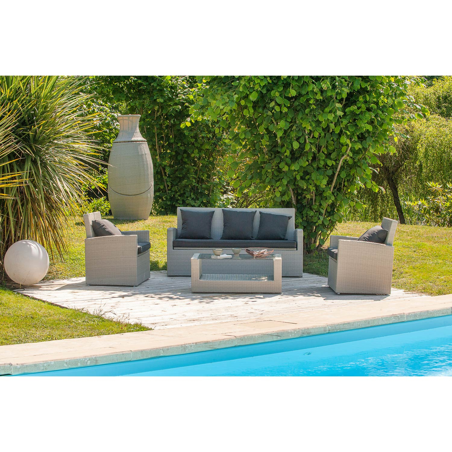 Leroy Merlin Table Exterieur Cool Salon Bas De Jardin Rsine Tresse Gris Personnes With