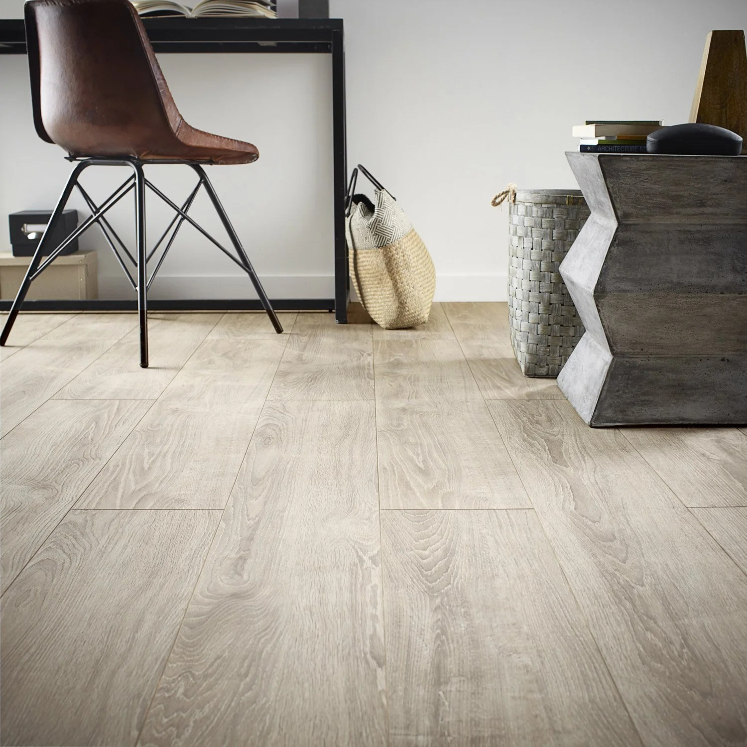 Dimension Lame De Parquet Sol Stratifié Sardegna Ep 12 Mm Artens Plus 12 Leroy Merlin