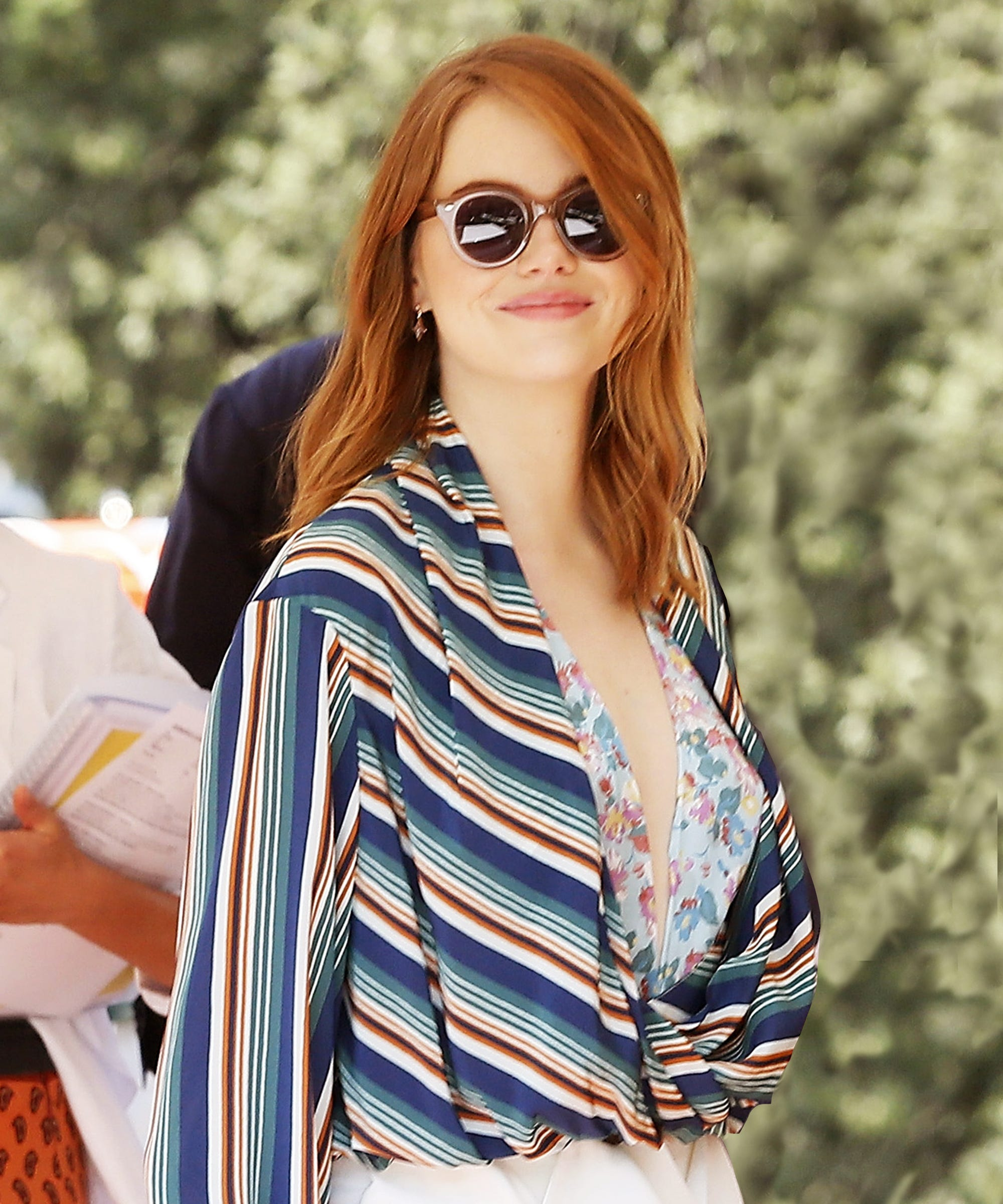 Casual Look Haare Emma Stone Hair Stylist Shares Her Cut Color Secrets