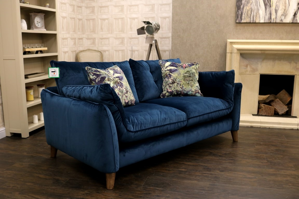 Designer Sofas New Alexander & James – Groove (famous British Brand) Premium 'portland Ocean' Fabric – Medium Designer Sofa & Additional A&j Cushions - S2 Sofas