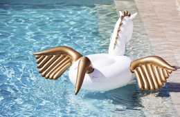 Unicorn-pool-float-Kitsch-Pool-Float-trend-The-Chromologist