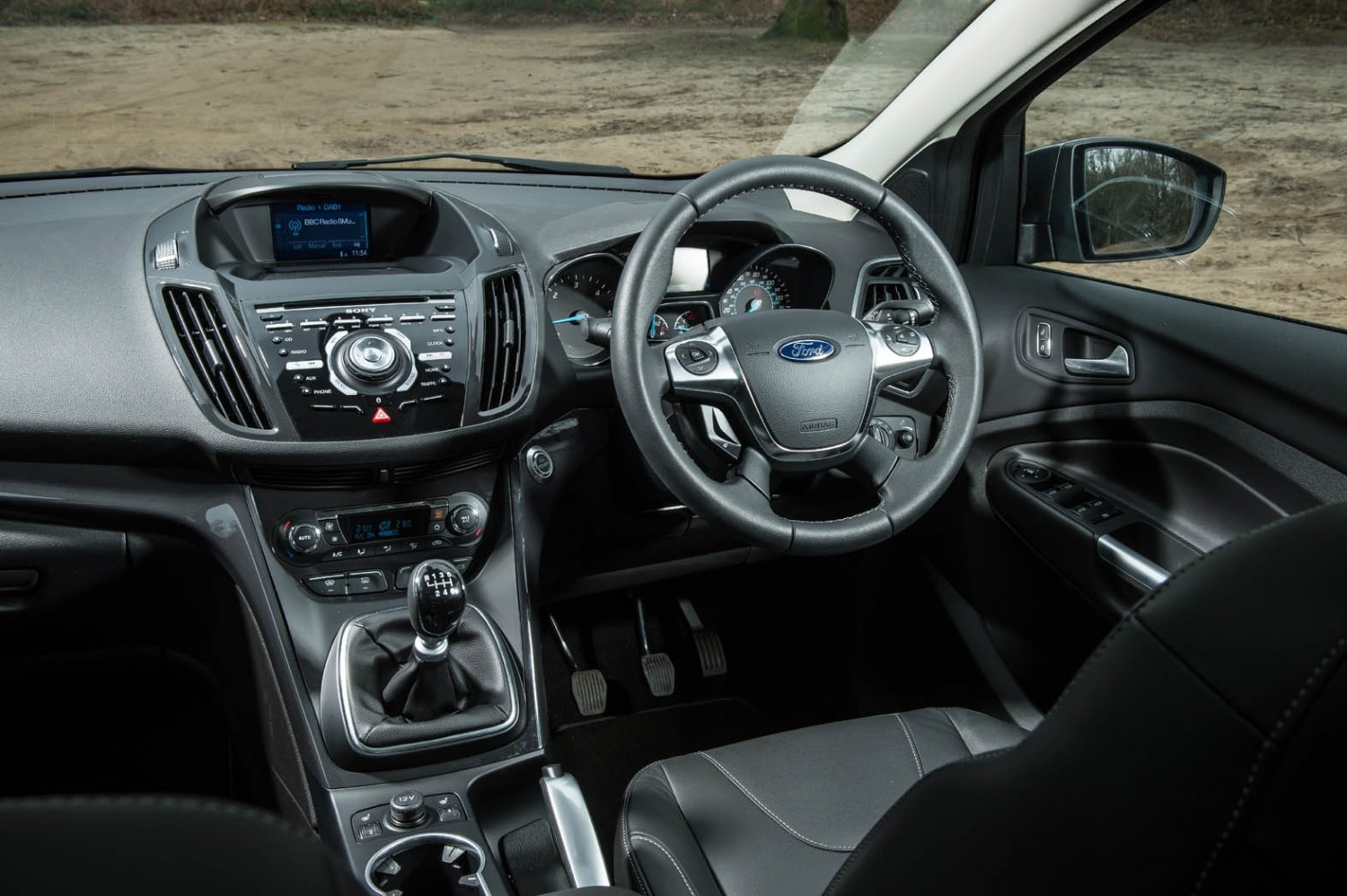 Ford Kuga 2017 Interieur New Ford Kuga Growls In Arctic Snow Eurekar