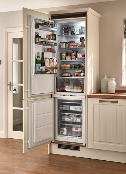 Kitchen Cabinet Hardware For White Cabinets Aeg Integrated Fridge Freezer | Howdens Joinery