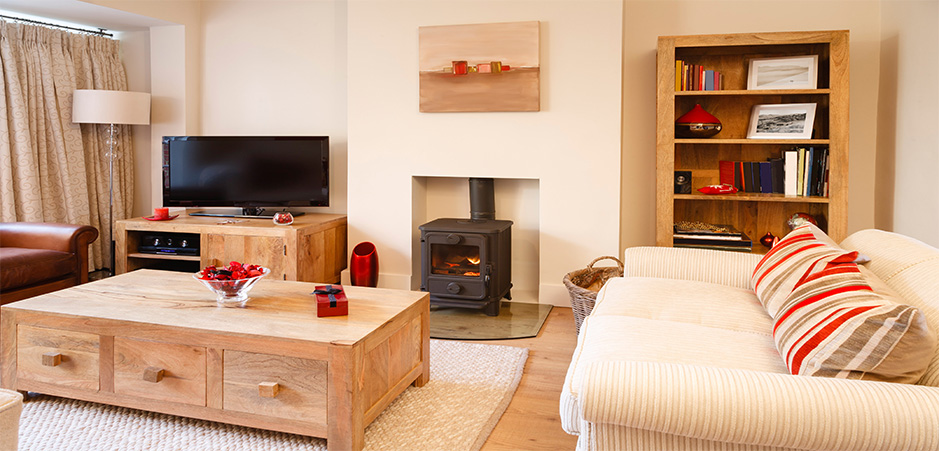 Small budget for your living room? Design tips for a big impact - living room design tips