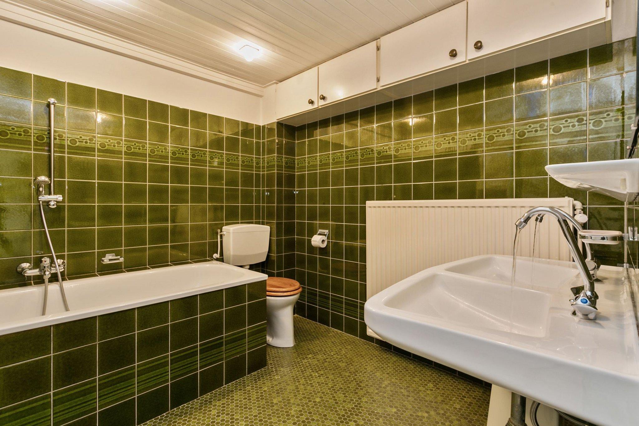 Badkamer Vernieuwen Voorbeelden : Badkamer vernieuwen douche badkamer eibergen grijs wit