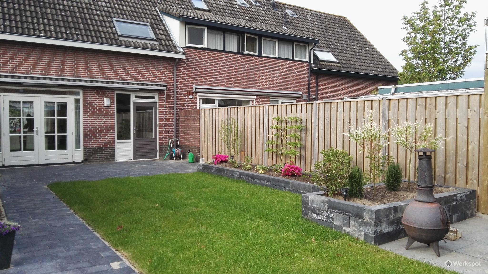 Tuin opnieuw bestraten renoveren aanleggen tuin werkspot