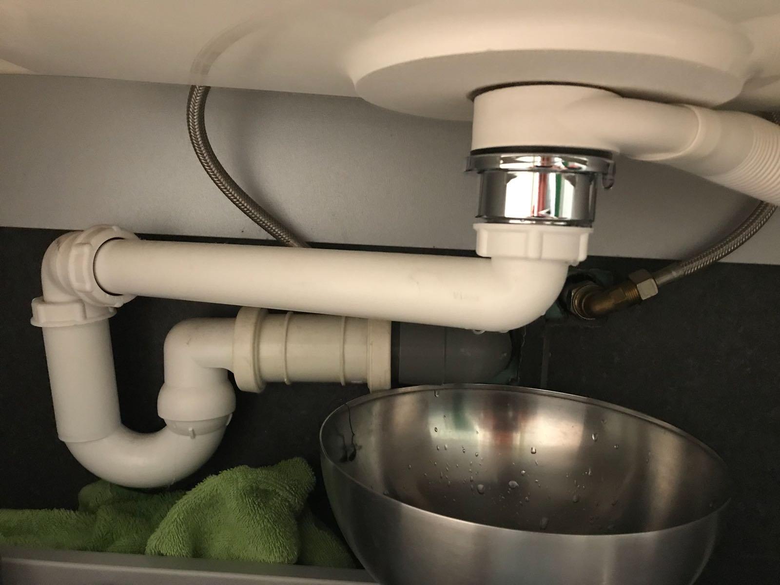 Badkamer Kraan Vervangen : Badkamer kraan plaatsen heb je stalen deuren in je huis laten