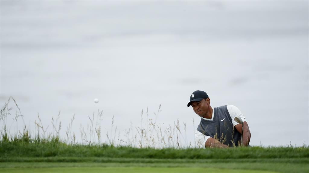 tiger woods score today at pebble beach