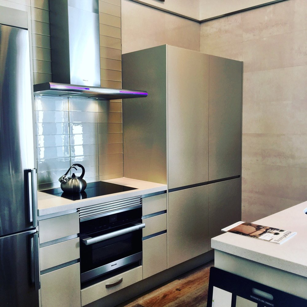 Porcelanosa Kitchen Cabinets High End Kitchen On A Budget Ask For Alesia Tom She S All Kind