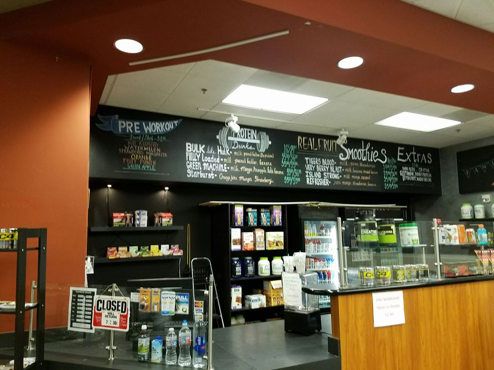Lloyd LA fitness cafe juice bar - Yelp