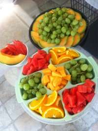 Homemade FRUIT TRAYS for under $10!!! Grapes... Cantaloupe ...