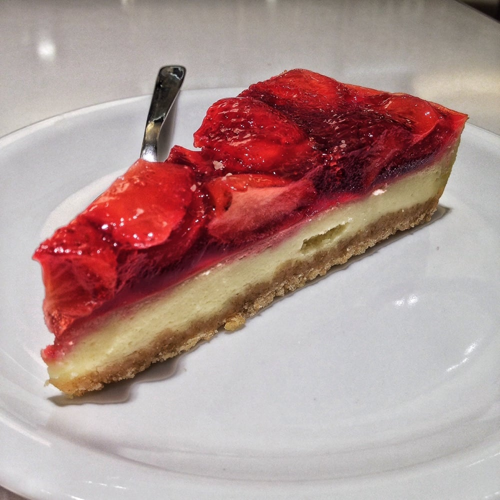 Mcdonalds Kuchen Cheesecake Alle Fragole In The Night Yelp