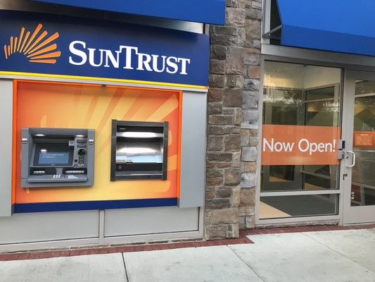 SunTrust Bank - Banks  Credit Unions - 2350 Washington Place NE