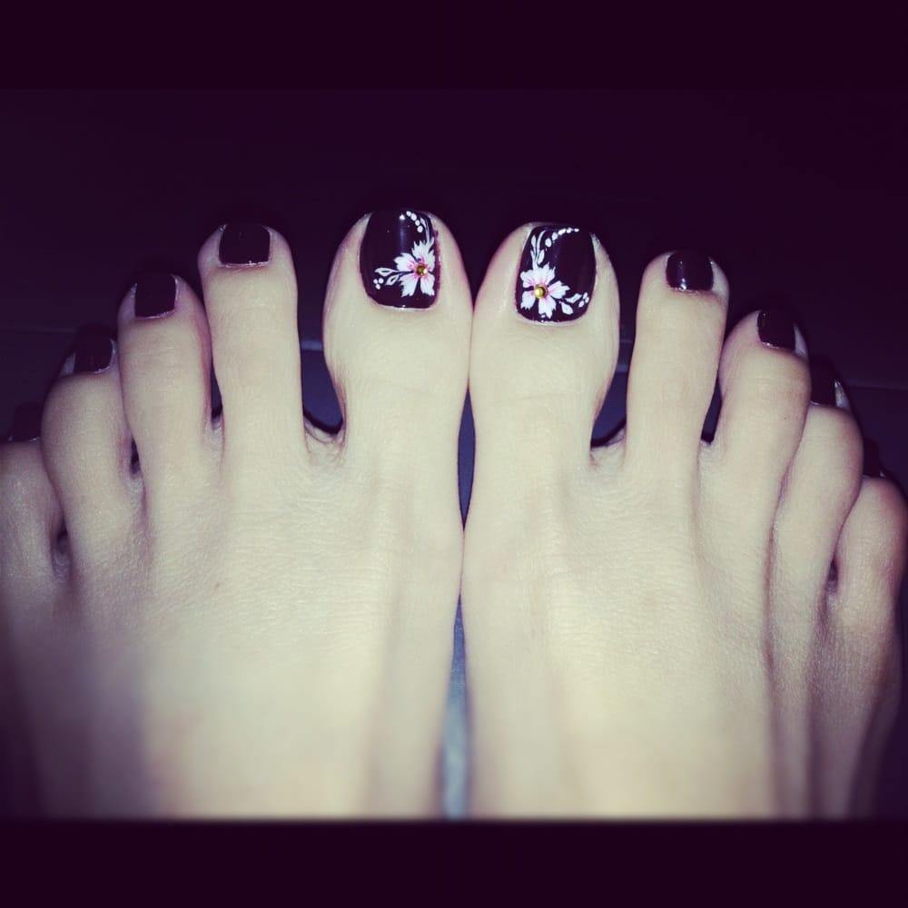 nail salon emeryville