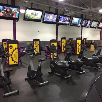 Planet Fitness - Evergreen Park - 11 Photos  26 Reviews - Gyms