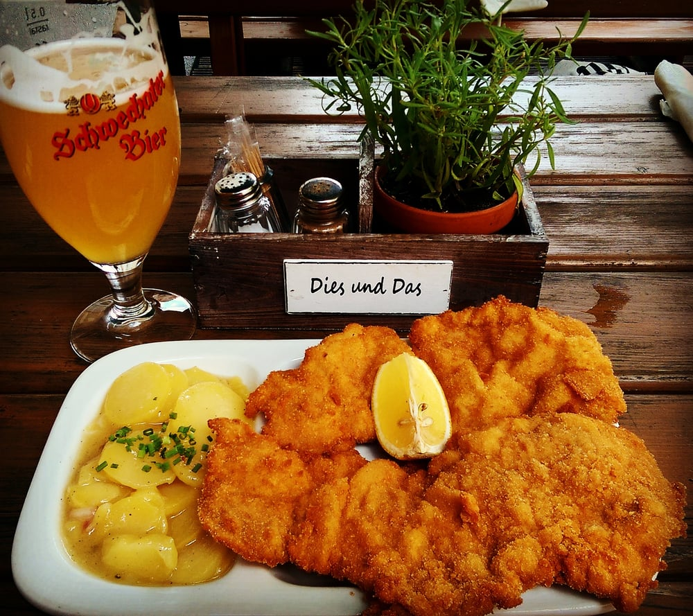 Schnitzel Restaurant Wiener Schnitzel Potato Salad Unfiltered Beer Can Life Get Any