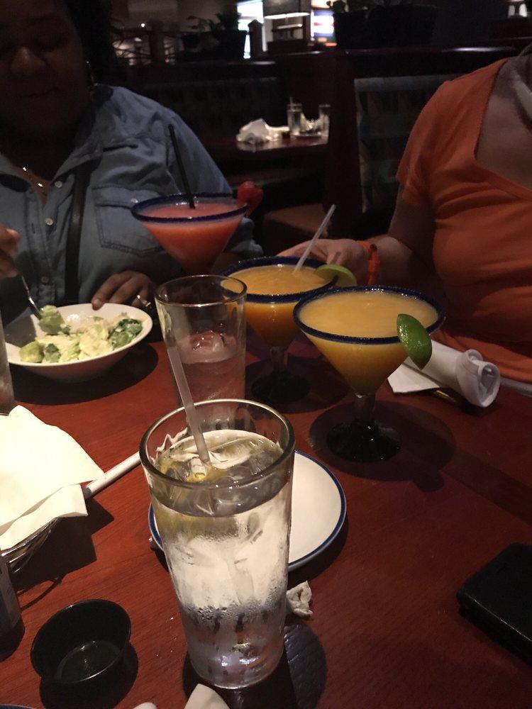 Visiting family in Detroit Red Lobster in Novi MI, waitress (Julie - lobster customer service