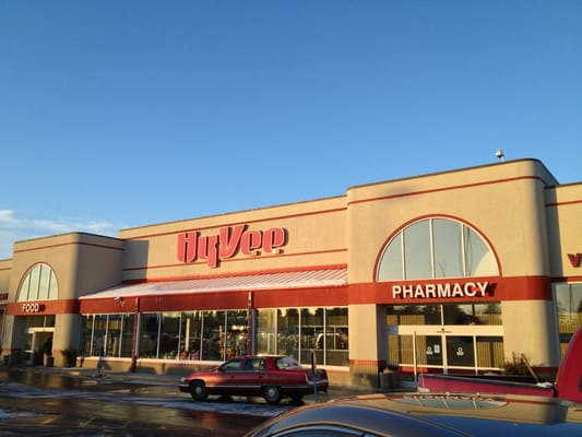 Hy-Vee Food Store 790 22nd Ave S Brookings, SD Grocery Stores - MapQuest - walmart brookings sd
