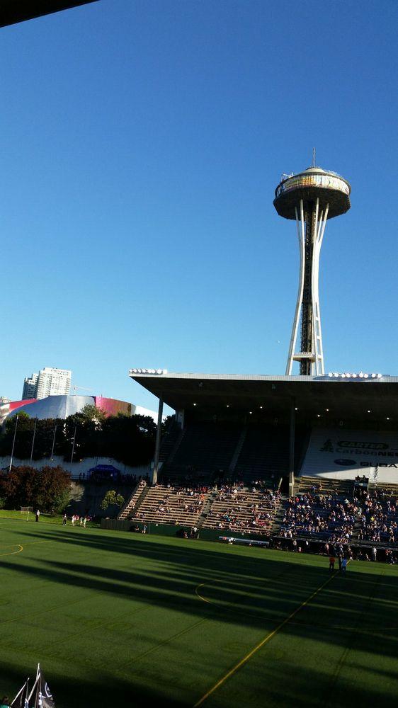 Memorial Stadium - 12 Photos  13 Reviews - Stadiums  Arenas - 401