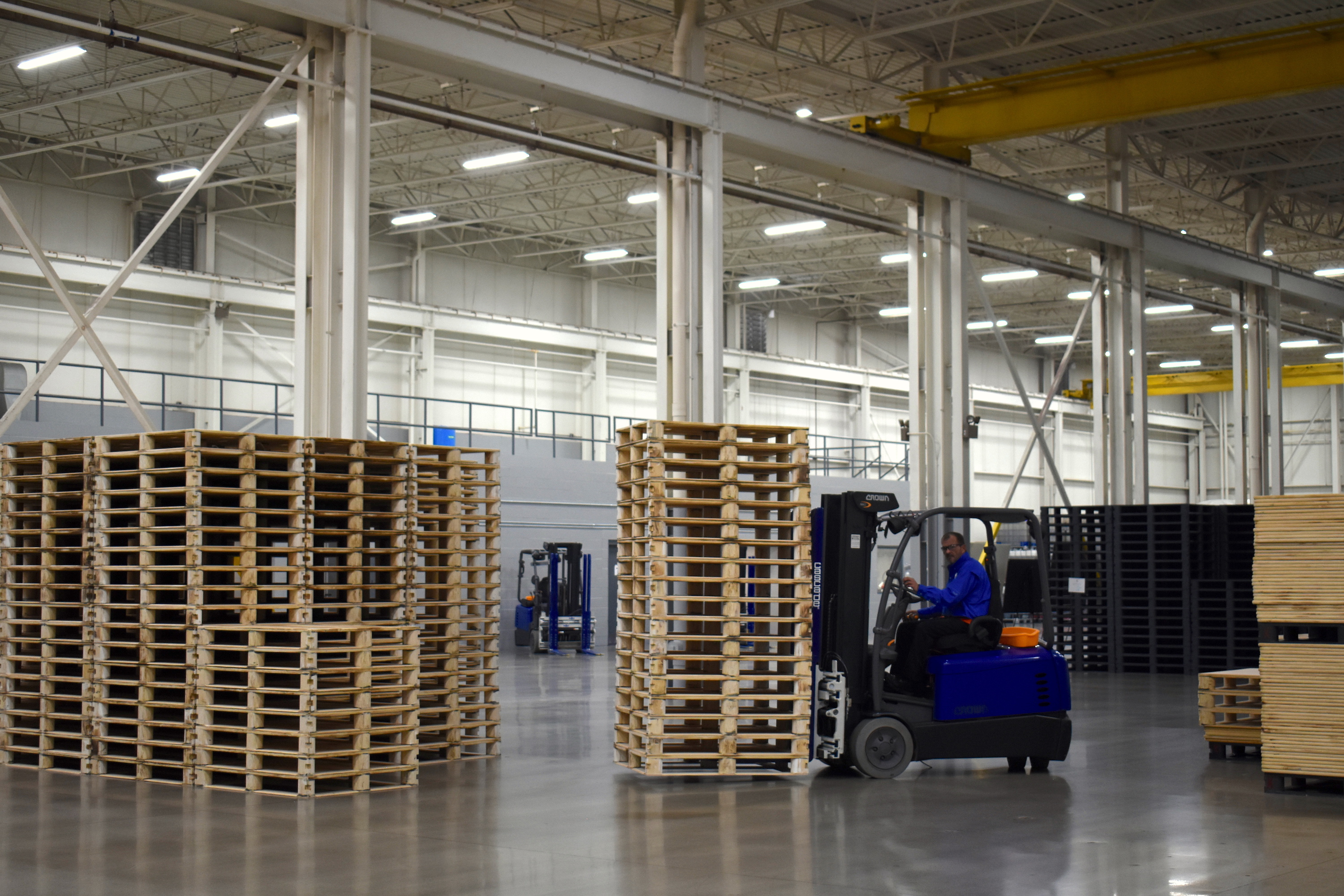 Warehouse For Sale Detroit Oakland County Company Aims To Build A Better Pallet With Help