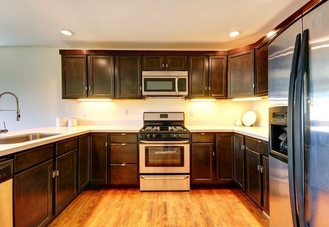 Kitchen Cabinet Refacing vs. Replacing