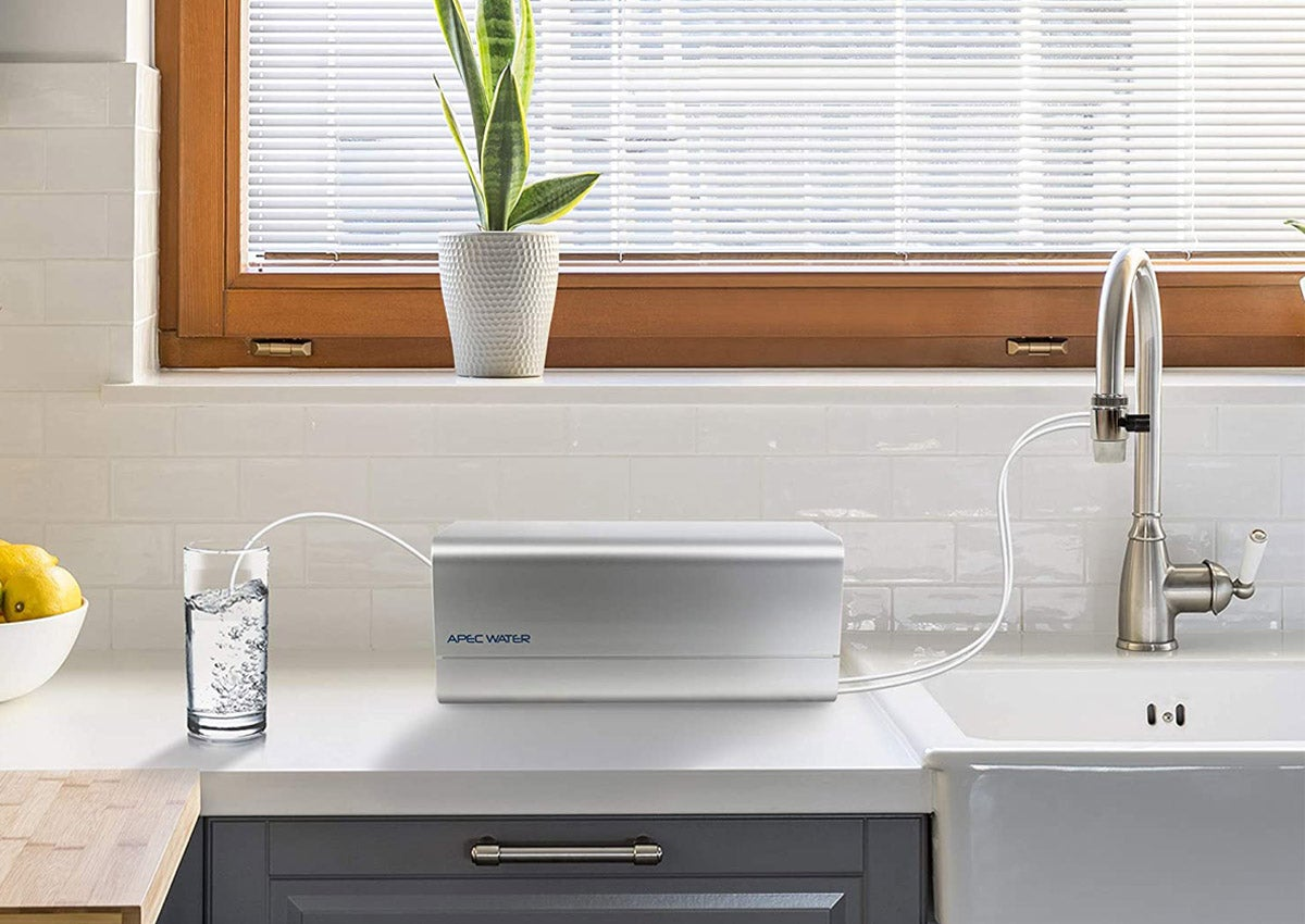 The Best Countertop Water Filter Options For The Kitchen In 2021 Bob Vila