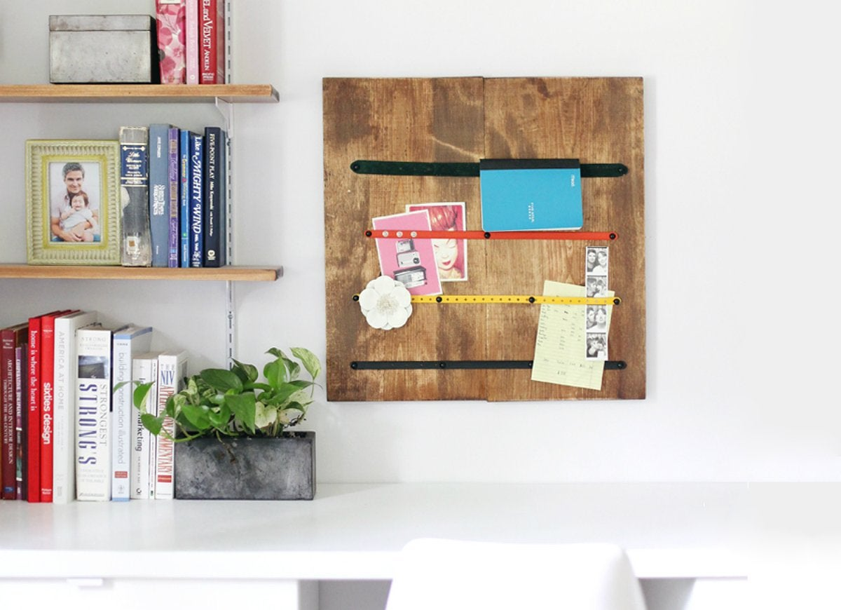 Belt Storage Turn Belts And Scrap Wood Into A Memo Board Diy Storage