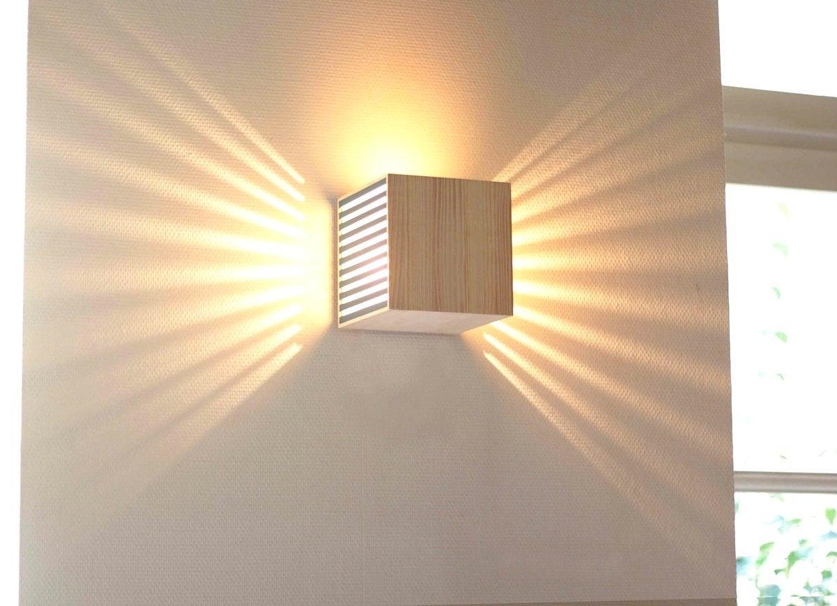 Wood Wall Lamp - Car-essay