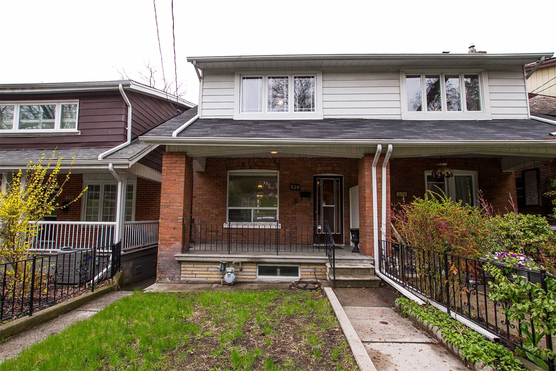 1 Bed House For Sale 228 Indian Grve Mls W4439215 See This Semi Detached House